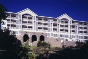 Bluenose Inn - Bar Harbor Hotel :: AAA Four-Diamond resort with fine amenities including a Spa, Restaurant, Indoor/Outdoor Pool, & much more! Stunning ocean views & elegant accommodations. Book now for summer!