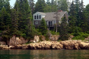 Seaside Cottages - Quietside Mount Desert Island :: 4 oceanfront cottages w/ breathtaking views on the shores of Blue Hill Bay, the quiet side of Mt. Desert Island. A short drive to Acadia National Park & 30 min to Bar Harbor.