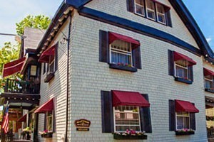 Hearthside Bed and Breakfast :: Bar Harbor Bed & Breakfast on a quiet side street in the heart of Bar Harbor. Elegant, Victorian guest rooms furnished with antique & traditional furniture. Book today!