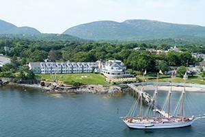 Bar Harbor Inn & Spa :: Waterfront Hotel & Spa overlooking Frenchman Bay near the heart of downtown Bar Harbor & Acadia National Park. Oceanfront lodging, spa, & dining with outstanding ocean views!