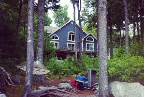 Branch Lake Cottage - Ellsworth waterfront home