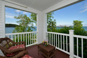 Bar Harbor Inn & Spa - stunning luxury :: Waterfront Hotel & Spa overlooking Frenchman Bay near the heart of downtown Bar Harbor & Acadia National Park. Oceanfront lodging, spa, & dining with outstanding ocean views!
