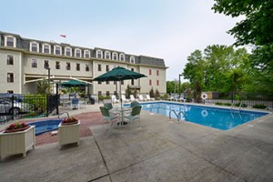 Bar Harbor Grand Hotel :: In downtown Bar Harbor, a short walk to the waterfront and minutes from Acadia National Park. First Class amenities and unrivaled service await you at this Historic Hotel!