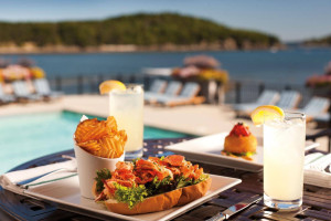 Harborside Hotel - offers multiple dining choices