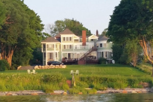 Saltair Inn Waterfront Bed and Breakfast